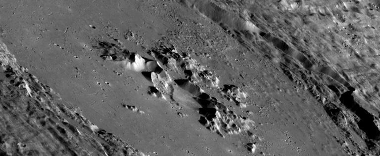 Cráter de Abedin en Mercurio (NASA)
